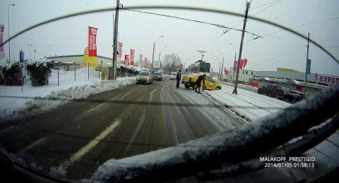 Un taxi pe linia de tramvai