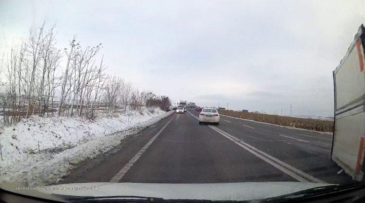 Camion rasturnat, proaspat rasturnat (video din iarna)