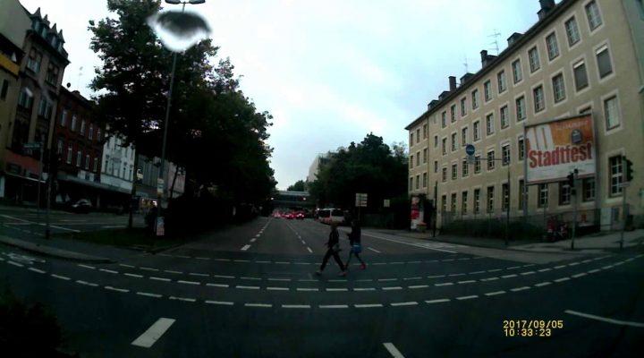 Risc sa raman fara permis pt. semafor in Germania? Am trecut pe rosu sau nu?