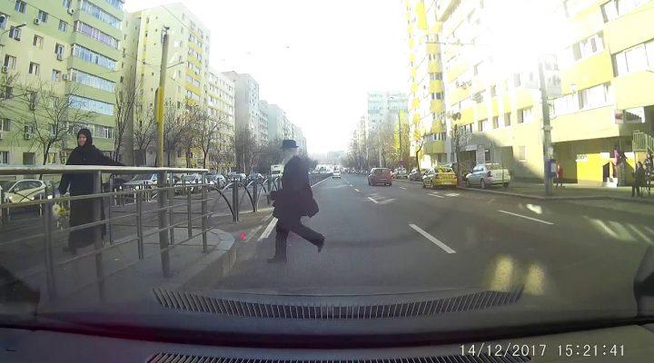Aproape accident cu un pieton