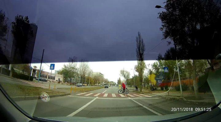 Cand te cauta moartea, dar tu te plimbi cu bicicleta.