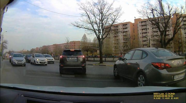 Un domn cu masina de Cluj