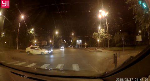 Taxi vs Audi