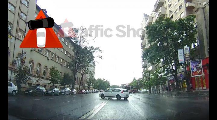 Pericol major – Linia continuă devine invizibilă pentru şoferi – Trafic Bucureşti