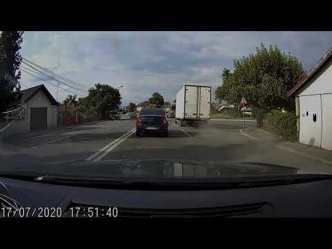 Polonezu' cel grabit… sa fuga de la locul accidentului.