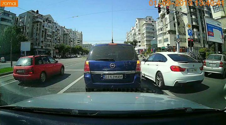 Oltenii in trafic #2 – Aproape poc cu tramvaiul